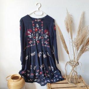 Zara Kleid embroidered Stickerei bestickt langarm dunkelblau Blumen floral rot