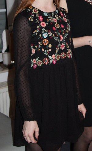 Zara Kleid Gr. XS reich bestickt