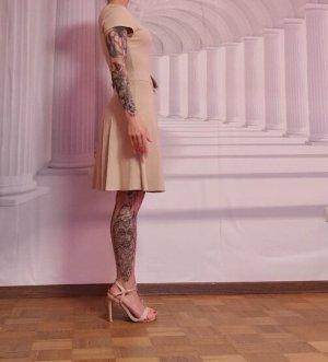 zara kleid im biederen Look mit Schleife nude stretch elegant