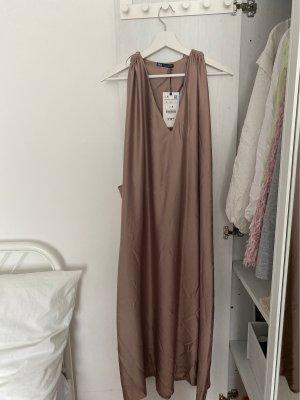 Zara Robe de soirée mauve-gris lilas