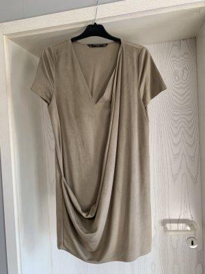 Zara Abito elasticizzato grigio-verde Finta pelle