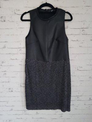 Zara Kleid Kunstleder Plisee schwarz weiß Punkte  Gr 38 M