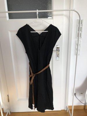Zara | Kleid luftig mit annehmbaren Gürtel