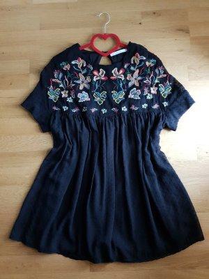 Zara Kleid mit Blumenstrickerei Gr. M