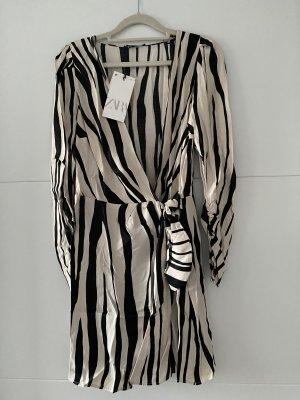 Zara Kleid Mit Gürtel Minikleid, grösse M