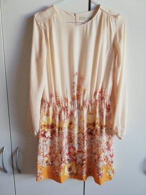 Zara Kleid mit langen Armen