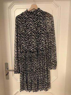 Zara Vestido de chifón negro-blanco