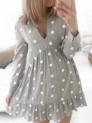 Zara Kleid mit Punkten in grau