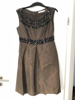 Zara Kleid mit Schmucksteinen