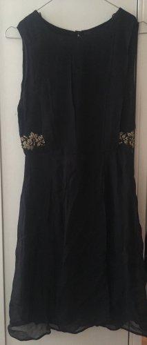 Zara Kleid mit Verzierungen