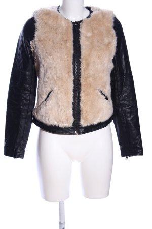 Zara Faux Leather Jacket black-cream casual look