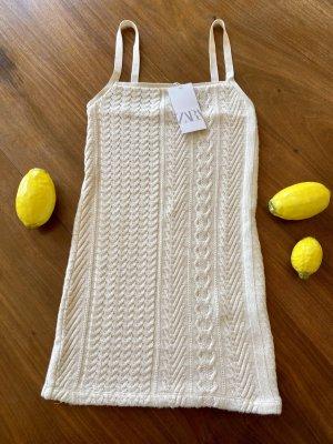 Zara: Kurzes Kleid in Strickoptik, Größe S, neu mit Etikett