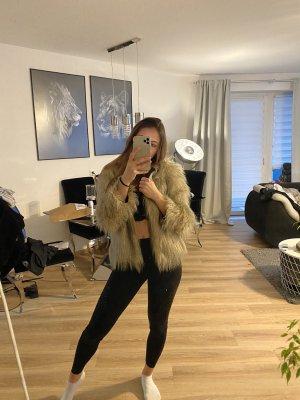 Zara Kurzmantel
