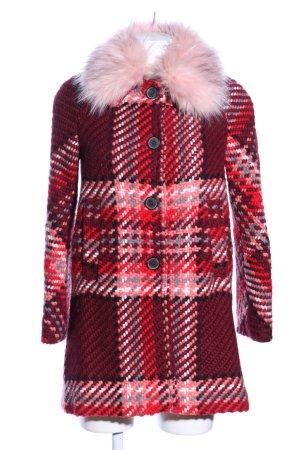 Zara Abrigo corto rojo estampado a cuadros look casual