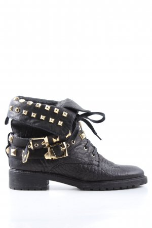 Zara Botas bajas negro-color oro look casual