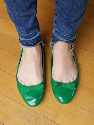 Zara Lack Ballerinas grün