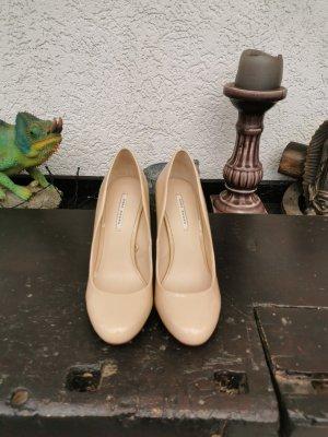 Zara Lackpumps, beige/nude Gr. 39