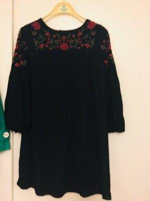 Zara Langarm Kleid Schwarz mit Stickerei