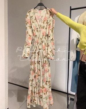 Zara langes Kleid mit Blumenmuster in XS