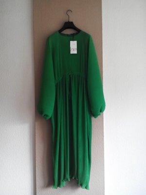 Zara langes plissiertes Kleid in grün mit Ballonärmeln, Größe XS-S oversize, neu