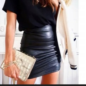 Zara Lede Rock Leather High Waist Hochgeschnittene Top