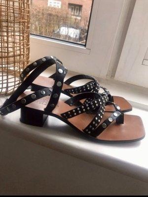 Zara Leder-Sandalen mit kleinen Absatz Gr.40