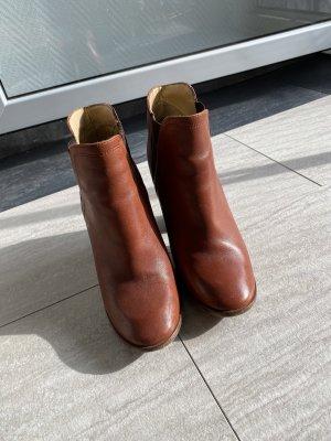 Zara Buty na obcasie brązowy-cognac