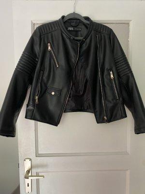 Zara Chaqueta de cuero de imitación negro-color oro