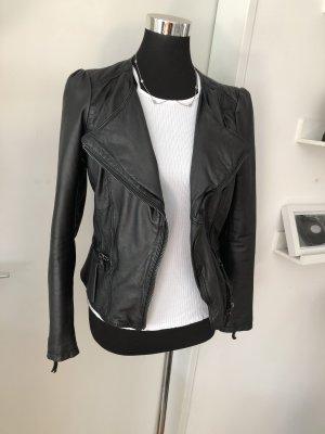 Zara Lederjacke peplum schöschen top S 36 leather schwarz black