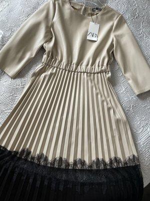 Zara Robe en cuir noir-beige