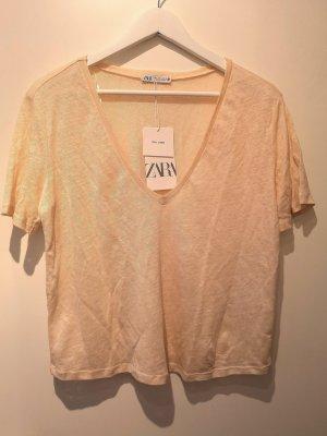 ZARA Leinen Kurzarm T-Shirt mit V-Ausschnitt in zartrosa/lachs, Gr. L