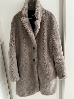 Zara Mantel aus Lammfellimitat Gr. XL