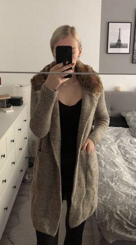 Zara Mantel beige