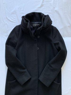 Zara Mantel in schwarz - S