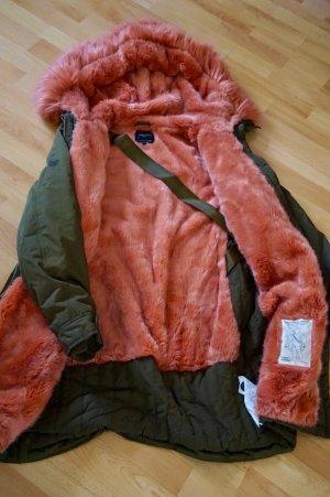 Zara Mantel / Parka mit fell / fake fur