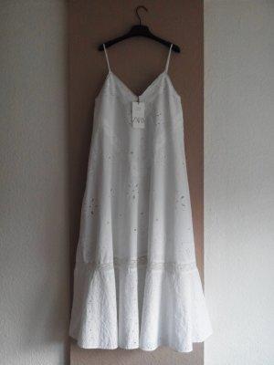 Zara Midi- Trägerkleid mit Lochstickerei in weiß, 100% Biobaumwolle, Größe M-L, neu