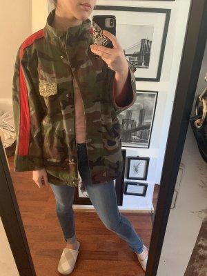 Zara Militär Jacke mit rotem Streifen