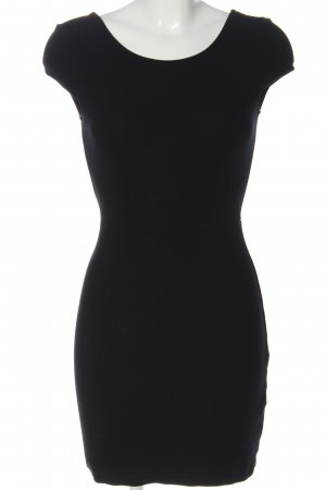 Zara Mini vestido negro look casual