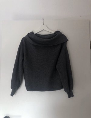 ZARA Off-Shoulder Pullover