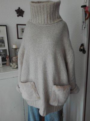 Zara Oversize Rollkragenpullover.