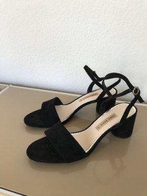 ZARA Pantolette Lederpantolette Sandale mit Riemchen Leder Schwarz Gr. 40 - NEU und ungetragen!