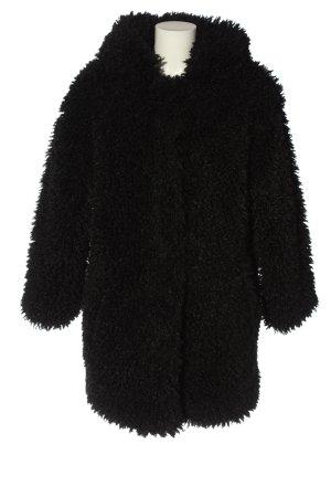 Zara Abrigo de piel negro look casual