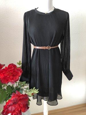 Zara Plissee Kleid in schwarz Neu ❤️