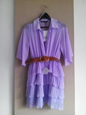 Zara Plissee-Midikleid mit Gürtel in lila, Größe 38, neu