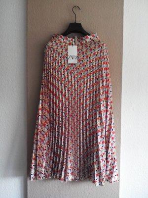 Zara Plissee-Midirock mit geometrischem Muster, Größe XS, neu