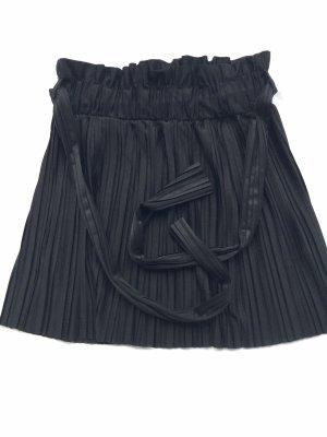 Zara Plissee Rock schwarz