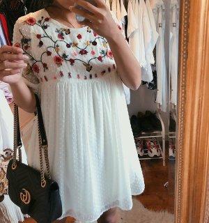 Zara Plumetis Kleid Jumpsuit mit Blumenstickerei Blümchen weiß