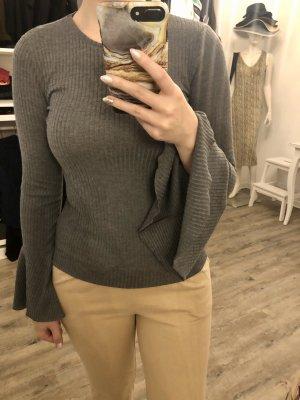 Zara Pullover mit Trompetenärmel *NEU*