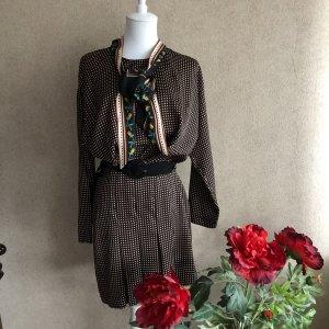 Zara Punkte Kleid mit Falten Gürtel und Tuch Neu