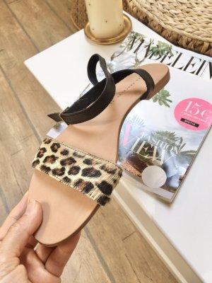 Zara Riempchen sandalen mit Fell Neu!
